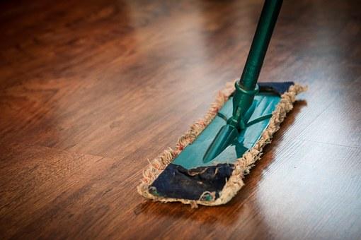Nettoyage du robinet Dans quelques heures, notre personnel qualifié transformera votre espace privé en zone de propriété, de santé et de confort.